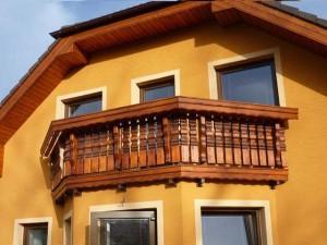 drevene balkonove zabradli