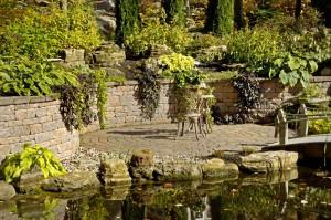 betonové prvky v zahradě