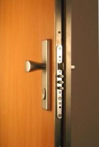 bezpecnostni dvere vchodove