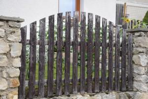 renovace dreveneho plotu