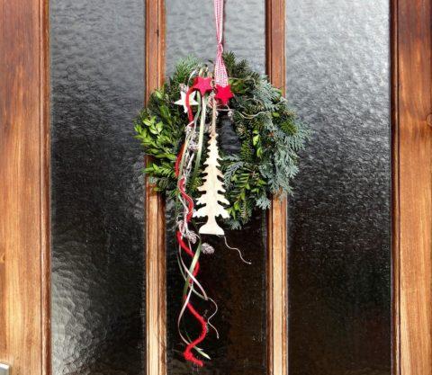 venec na dvere