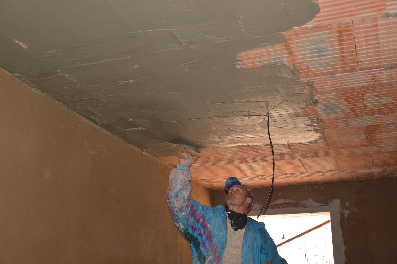 Lepení sádrokartonu na strop