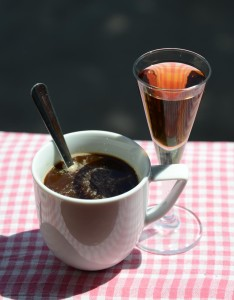 kava s rumem