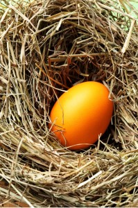 barveni vajec zlata