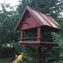 doma vyrobena budka pro ptaky nahled