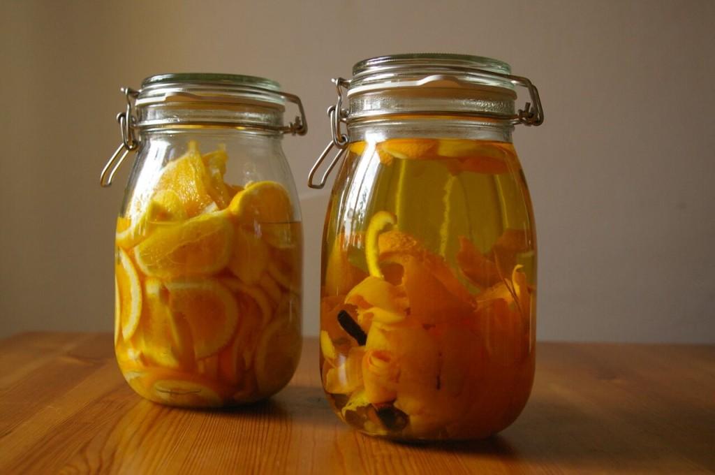 pomerancovy liker nalozeny
