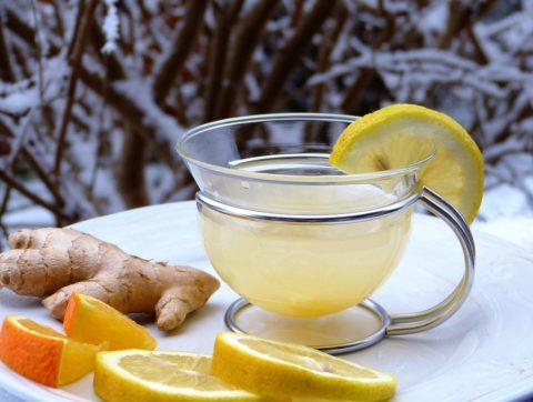 zazvorovy caj s citronem