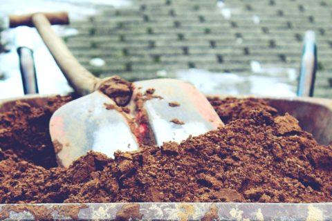 prace na zahrade v unoru