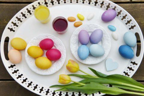 barveni varenych vajec