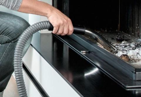 Vysavač Kärcher AD 4 Premium dokáže odfiltrovat i malé částečky prachu.