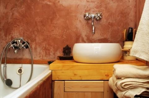 hlinene omitky v koupelne