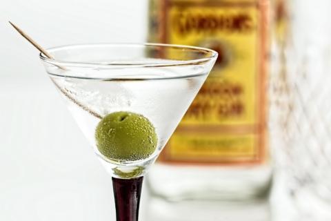 Vyzkoušejte místo oliv lák z okurek.