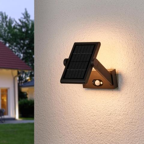 solarni svitidlo na fasadu